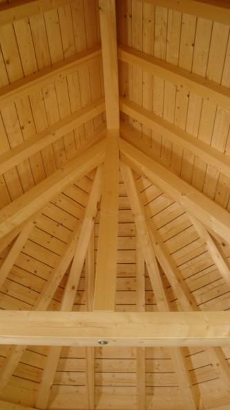 Holzdecke in der Kapelle