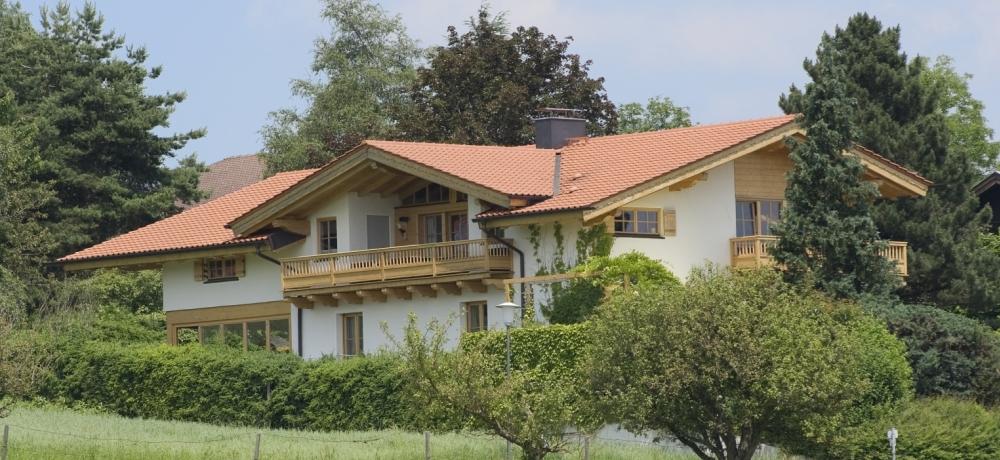 http://www.koehldorfner.de/wp-content/uploads/2015/07/massivholzhaus_schn_scherer1000pix_DSC2819.jpg